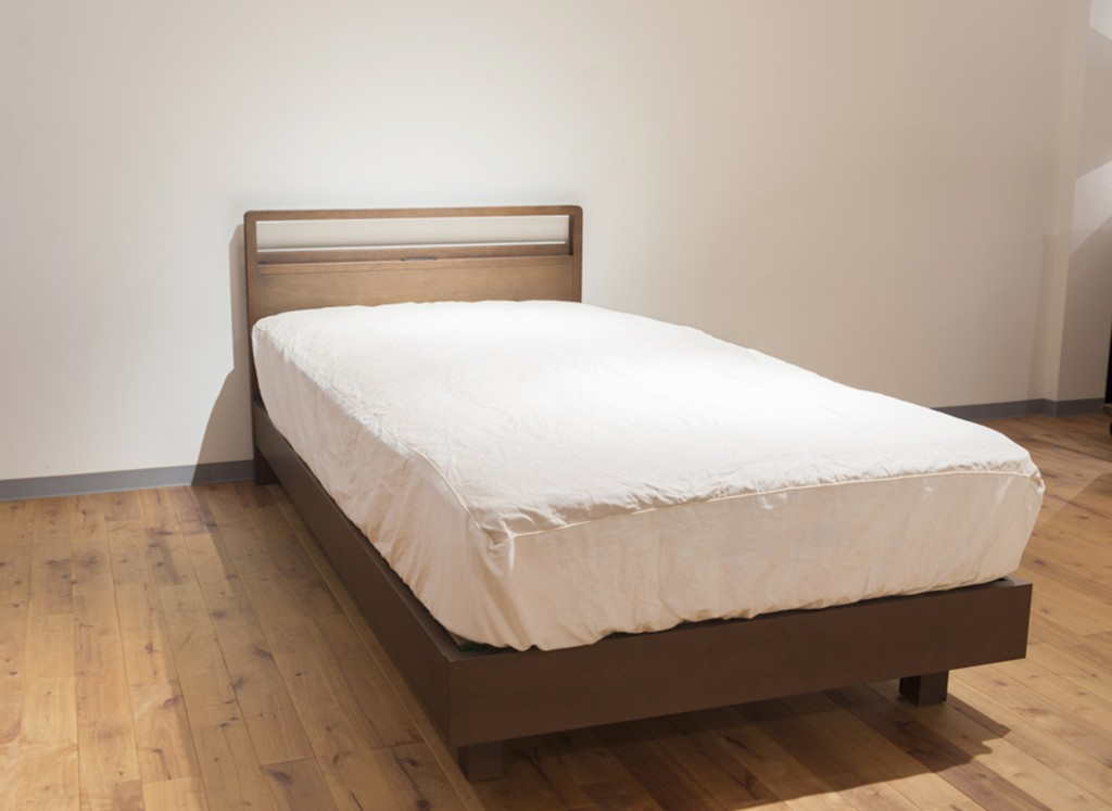 bed001